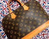 Christmas 12% Off Coupon Sale. Vintage Louis Vuitton Alma bag. Monogram. Good Condition. Authentic.