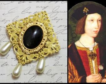 Tudor Necklace - Medieval Brooch - Tudor Jewelry, Medieval Necklace, Tudor Replica, Historical Replica, Tudor, Anne Boleyn, Tudor Brooch
