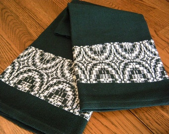 Handwoven Guest Towel, Hand Woven Tea Towel, Woven Hand Towel, Green and White, Hostess Gift, Woven Fingertip Towel, Handmade Holiday Towel