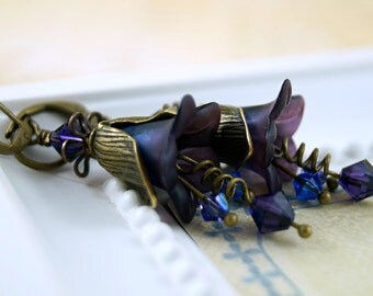 Midnight Blue and Plum Lucite Flower Earrings, Hand Dyed Lucite, Wedding Earrings, Bridal Jewelry