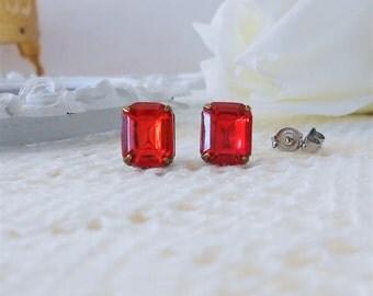 Red Stud Earrings, Red Post Earrings, Red Crystal Earrings, Light Siam Red, Vintage Rhinestones, Old Hollywood Earrings, Estate Jewelry