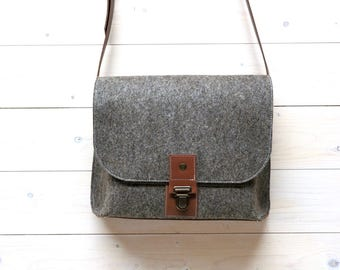 SMALL FELT MESSENGER bag with leather details Ipad brown grey or black wool cognac buffalo leather eco fabric bag handmade for men