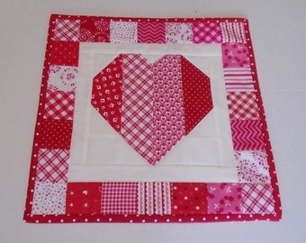 Valentine Quilted Table Topper, Quilted Table Runner Valentines Decor,  Patchwork Heart Table Quilt,  Mini Quilt, Valentine Runner