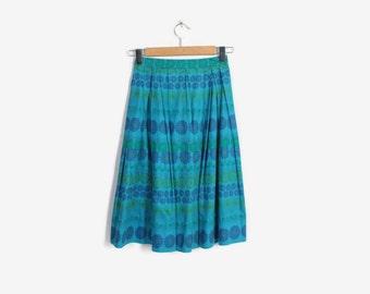Vintage 50s FLORAL SKIRT / 1950s Blue Cotton Full Skirt xs
