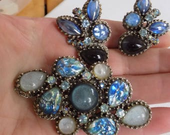 Vintage jewelry set, rivoli blue glass and crystal brooch and clip-on earrings, likely unsigned Selro