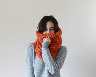 End of season SALE Chunky Knit Cowl Ribbed Textured Neckwarmer // The Bordeaux - PUMPKIN