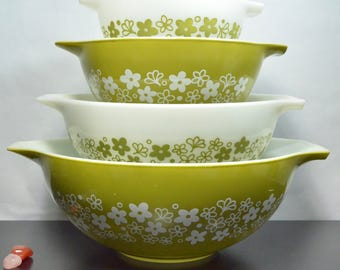 Pyrex Spring Blossom Crazy Daisy Nesting Mixing Cinderella Bowl Set | Set of Four 4 | Green White Retro Flower Pattern | 441 442 443 444