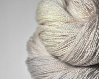 Blueberry vanilla ice cream - Merino/BabyCamel Lace Yarn - LIMITED EDITION