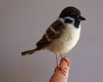 Needlefelted sparrow/Needlefelted bird/Felted sparrow/Sparrow/OOAK/Bird's miniature