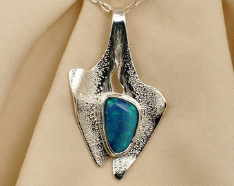 Opal Pendant Necklace in Sterling Silver - Green Fire