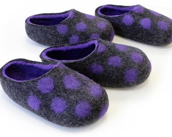 Hand made Felted Wool Slippers for Everyone. Dark Gray / Violet inside with Violet Dots. Size EU 38 ready to ship!