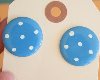 1980s POLKA DOT Earrings...circle. dots. pierced ears. retro accessories. round. polka dots. costume jewelry. 80s glam. mod. vintage studs
