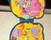 Complete Bluebird Polly Pocket type Minnie Mouse and Daisy Duck space compact