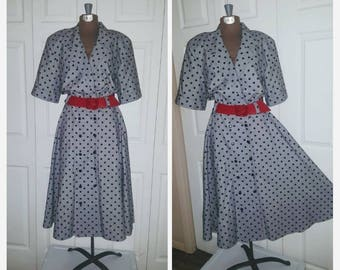 Maybellene ... Vintage 80s day dress / shirtwaist full skirt / 50s rockabilly Lucy housewife / polka dot .... M L