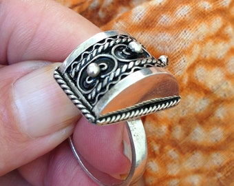 Silver Berber Ring from S Morocco, US size 10 1/2