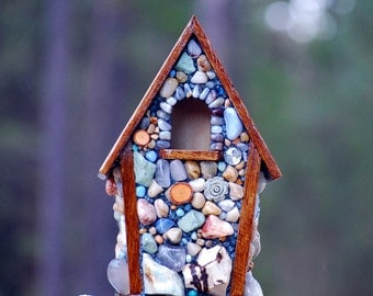 Stone Birdhouse, Nature lover, featuring light colored agates, river rocks and stones for the, outdoor bird, watcher, rustic cabin decor
