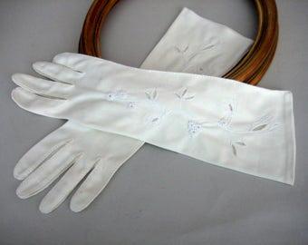 Ladies Gloves , Ivory  White Gloves, Women's Gloves,  Mid Century Gloves, Retro, 1950's Ladies Gloves
