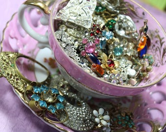 1 Ounce (28 grams) Vintage Jewelry Pieces