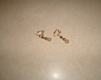vintage clip on earrings goldtone lucite pink glass dangles