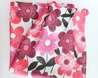 Mid Century Fiberglass Floral Cafe Curtains Panels Red, Black, Pink, Maroon on White Pinch Pleats and Rings