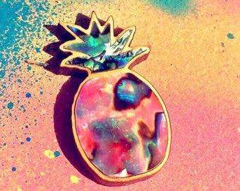 Psychedelic pineapple pin