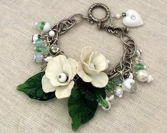 Womens Jewelry Flower Bracelet - Garden Party Handmade Bracelet - White Flower Bracelet - Flower Beaded Bracelet - Vintage Assemblage OOAK
