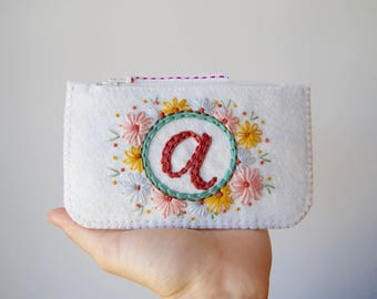 Personalized Felt Make-Up Coin Purse Wallet ø Hand Embroidered ø LoftFullOfGoodies