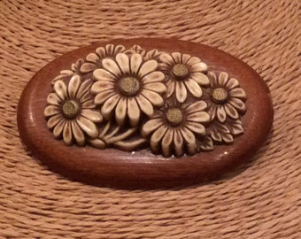 Vintage 3 Dimensional Resin and Wood Daisy Pin, Vintage Wood Brooch, Vintage Costume Jewelry, Seventies Jewelry
