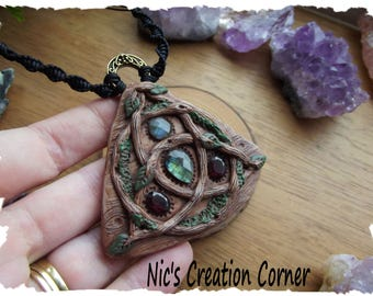 Triquetra /Trinity Knot Celtic/Wiccan  polymer clay Pendant/Necklace.