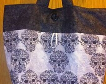 Large filigree skulls roll up grocery tote bag