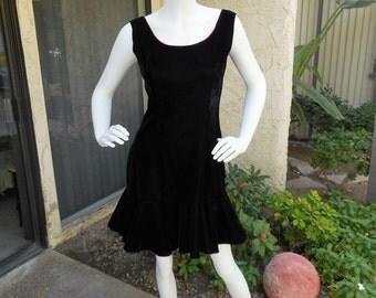 Vintage 1970's Black Velvet Dress with Red Bow - Size 10
