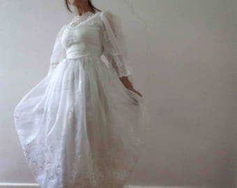 Vintage 70s White Lilly of the Valley Lace Dress  Dolly Dress  X Small Southern Belle