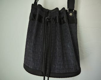 Tatami Straw Bucket Bag / Black Straw Purse / Straw Bucket Bag / Straw Bucket Clutch / Bamboo Straw Bucket Bag / 90s bucket bag / NORMCORE