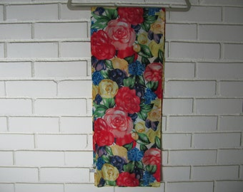 Vtg rose print long silk scarf