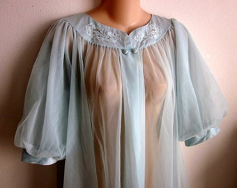 SALE- Vintage chiffon layers robe frilly peignoir nightgown L XL