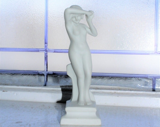 Art Deco Figurine Nude Woman Vintage 1920s