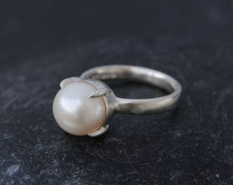 Size 6.25 White Pearl Ring - Pearl Engagement Ring - White Pearl Solitaire Ring - Ready to Ship - FREE SHIPPING