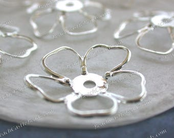 Bright Sterling Silver Plated Brass Flowers, Vintage Style Metal Flowers, Hair Crafts, Made in America USA, Silver Metal Flowers ~ STA-314