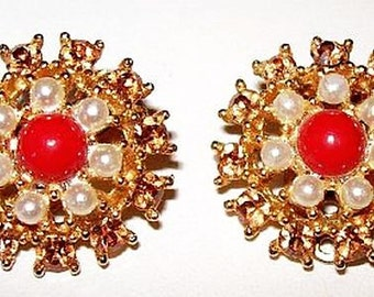 """Weiss Clip On Earrings Signed Red & White Pearl Cabochon Stones Gold Metal 1"""" Vintage"""