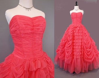 Gorgeous vintage 50s coral pink strapless 50s ruffled ruched prom party dress size M