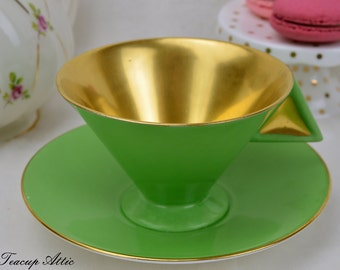 FREE Worldwide Tracked shipping Shelley Art Deco Teacup And Saucer Set With Angled Handle In Green And Gold, Cabinet Teacup, ca. 1925-1945