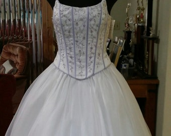 Prom Vintage Dress purple flowers Corset beaded Bodice white embroidered purple flowers skirt, prom, XV dress, White Purple Wedding Dress
