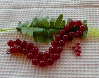 18 Inch Chunky Red Jade Hand-Knotted Bead Necklace with Earrings