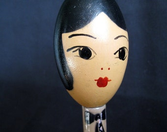 Wooden 1920's Art Deco Flapper Head Hat Stand