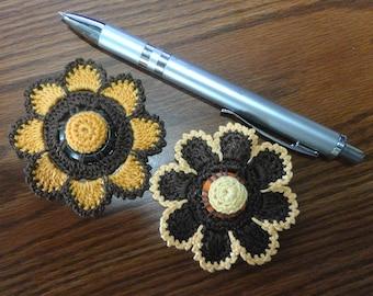 Button flowers #bf02 lot of 2 crochet appliques bouquet decoration adornment embellishment motifs wedding birthday