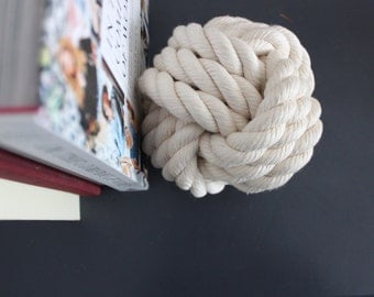 Decorative Rope Knot / cotton white