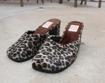 Leopard print sandal  size usa 6
