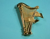J.J. Gold Tone Harp and Hands Brooch or Pin, 80s Jonette Jewelry, Music Lovers