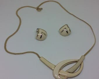 TRIFARI Necklace Earrings Set