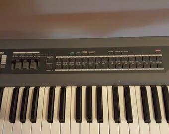 Roland JX-1 Performence Synthesizer Keyboard